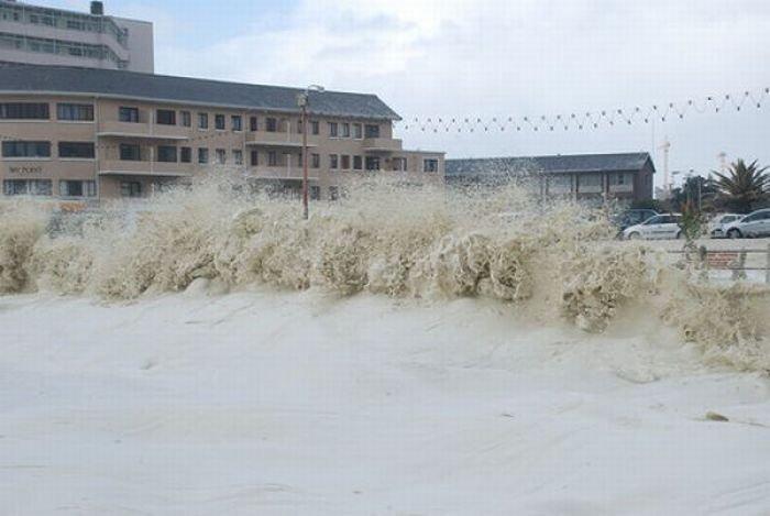 Океанская пена в Кейптауне (28 фото)
