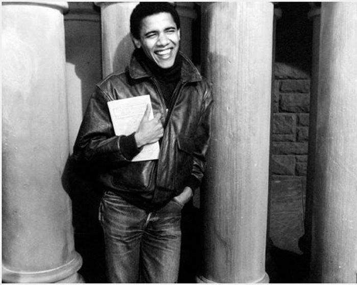 Что читал Обама в молодости (2 фото)