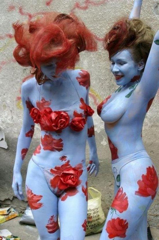 Разрисованные девушки (58 фото)