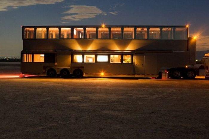 Дома на колесах (14 фото)
