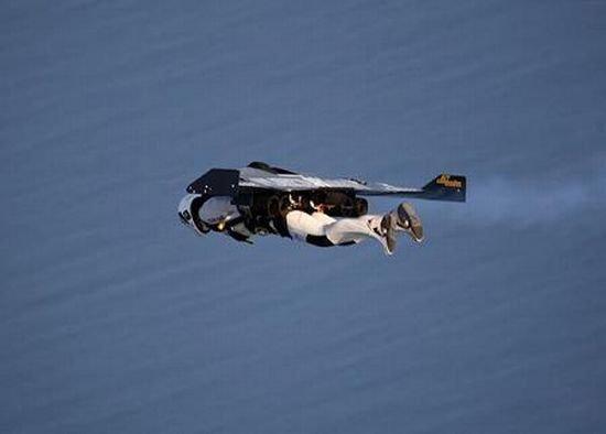 Реактивные крылья (16 фото)