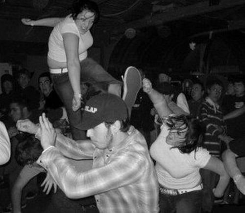 Зажабили танцующую девушку (78 фото)