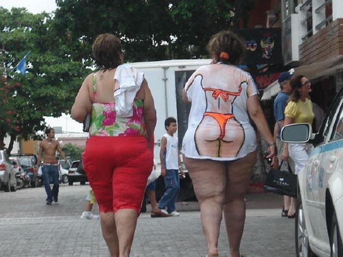 Девушки в бикини (136 фото)
