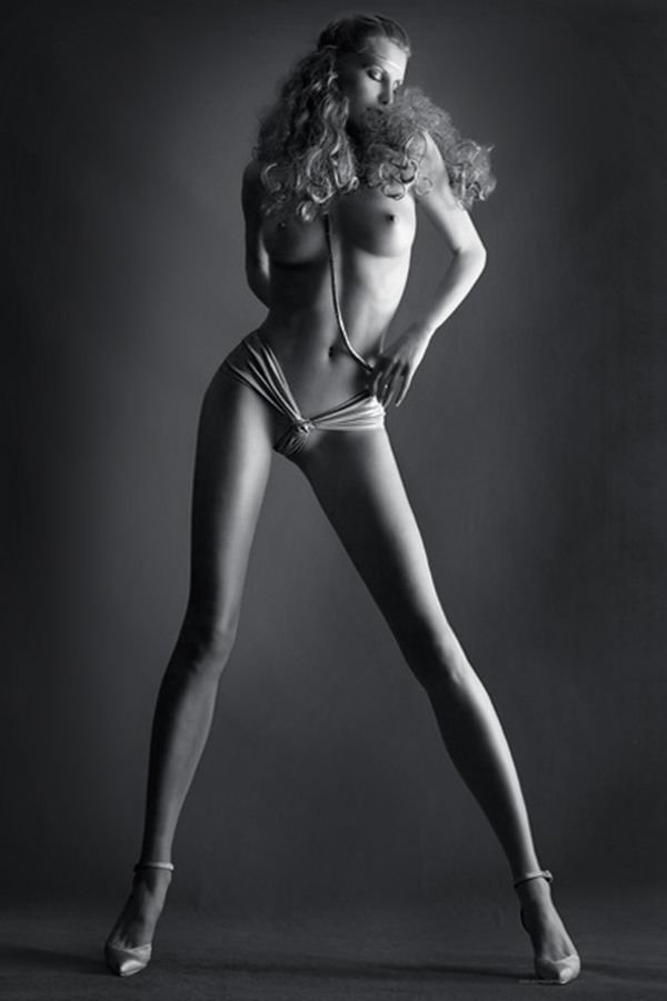 foto-zhenskih-golih-nog