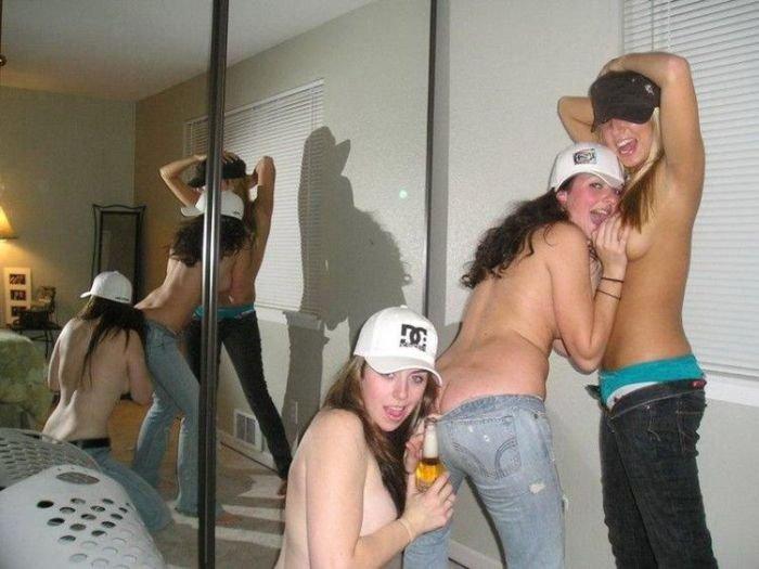Девушки пьют и веселятся (42 фото)