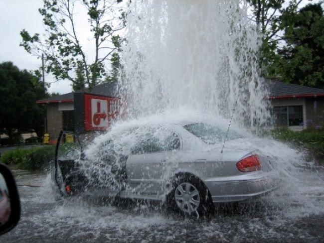 Почему нельзя парковаться у гидранта (8 фото)