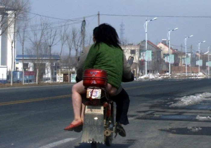 На мотоцикле с ветерком (2 фото)