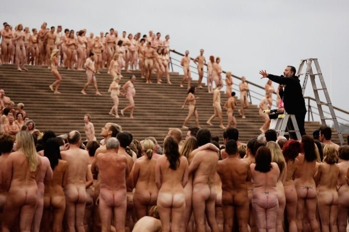 5000 голых людей (20 фото)