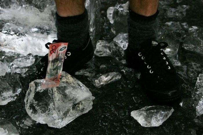 Денежный лед (11 фото)
