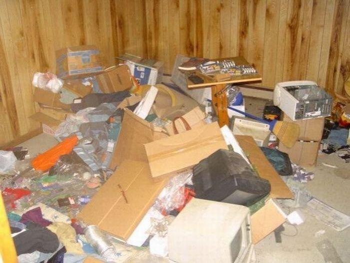 Очень грязные квартиры (35 фото)