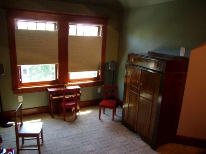 Секретная комната (2 фото)