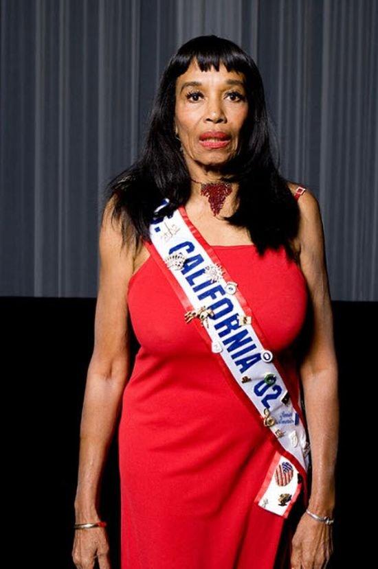 Мисс Америка среди старушек (30 фото)