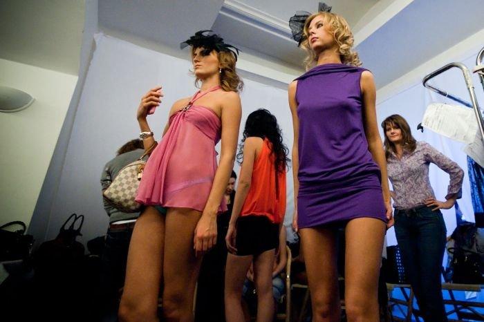 Показ нижнего белья в ГУМе (30 фото)