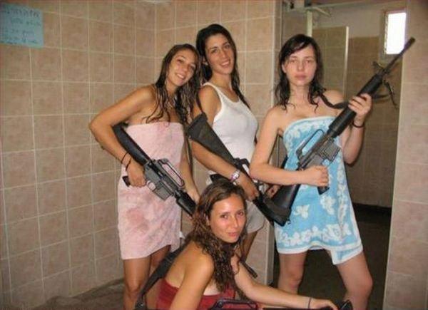 Необычные ситуации с девушками (40 фото)