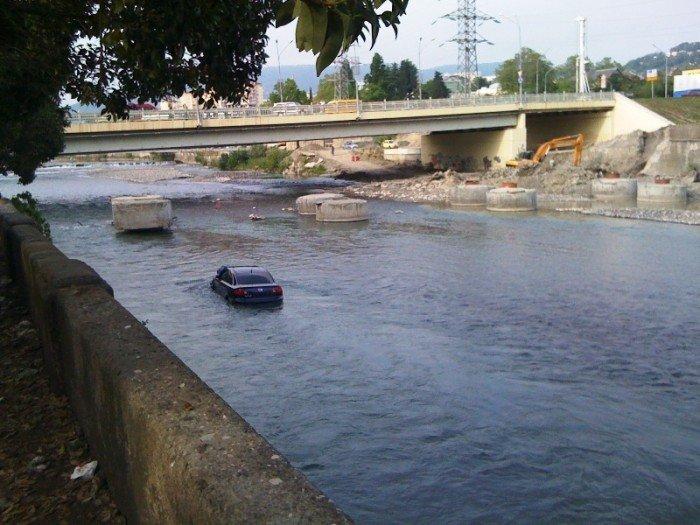 Машина-лодка (7 фото)
