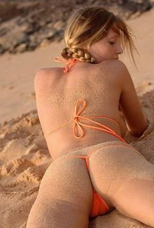 Попки и песок (30 фото)