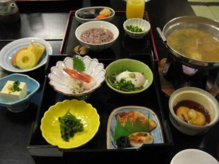 Обеды офисных работников в Японии (17 фото)