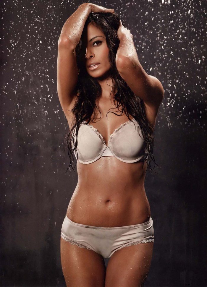 Collien Fernandes - самая сексуальная девушка Германии по версии FHM (17 фото)