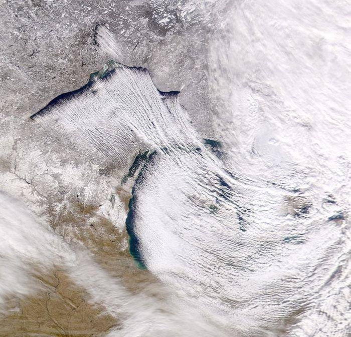Как облака выглядят из космоса (25 фото)