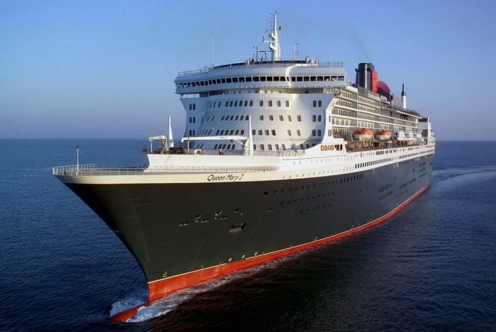 Queen Mary 2 (12 фото)