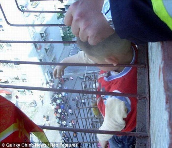 Везучий китайский мальчик (3 фото)