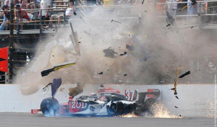 Авария на огромной скорости (10 фото)