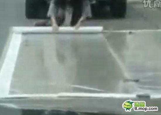 Как паркуются китайцы (8 фото)