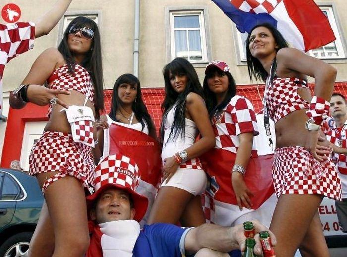 Футбольные болельщицы (104 фото)