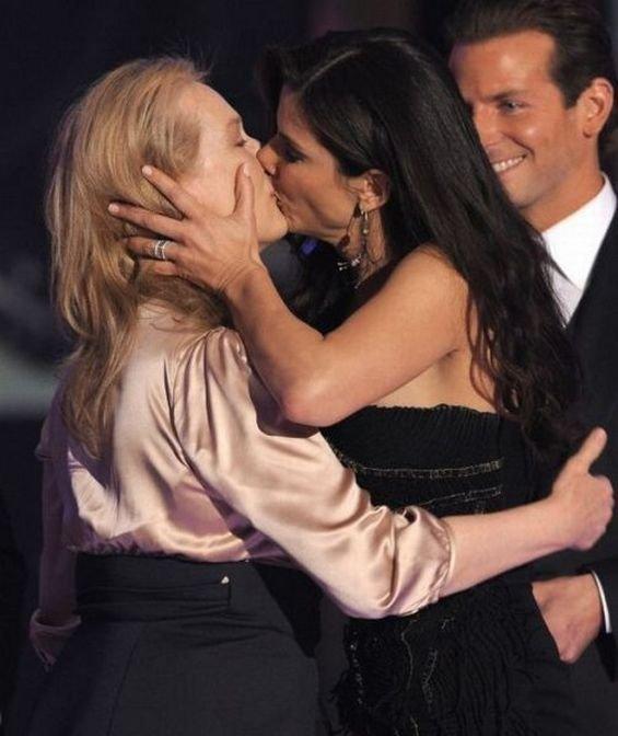 Лесбийские поцелуи знаменитостей (40 фото)
