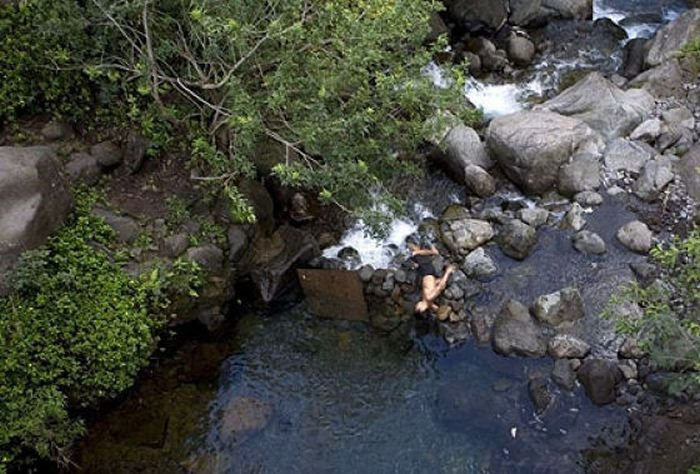 Неудачный прыжок в воду (5 фото)
