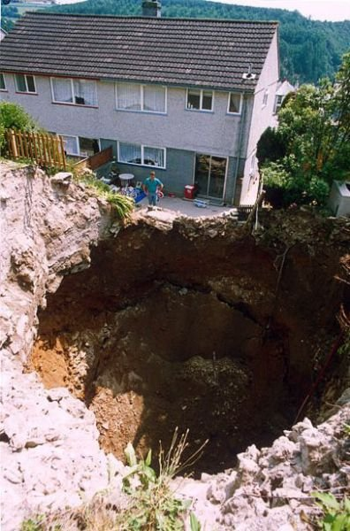 Провалы грунта (35 фото)