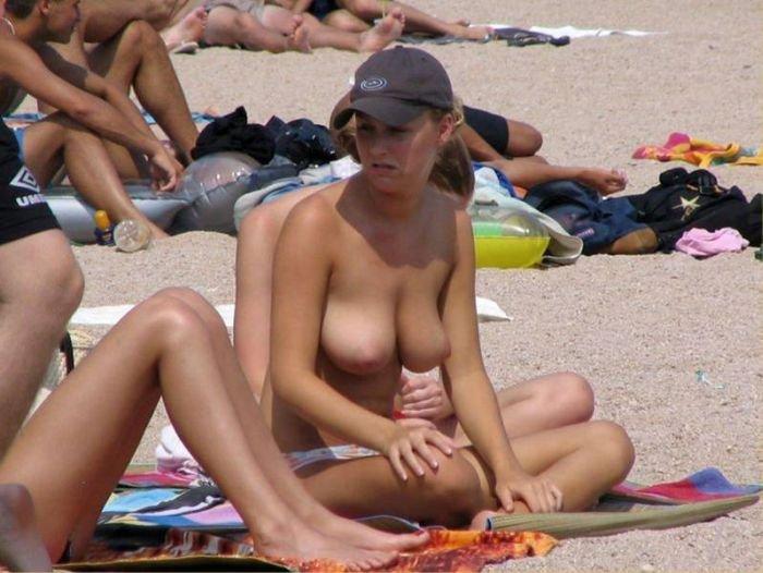 Фото нудистов на пляже, семейный нудизм и фото голых 20