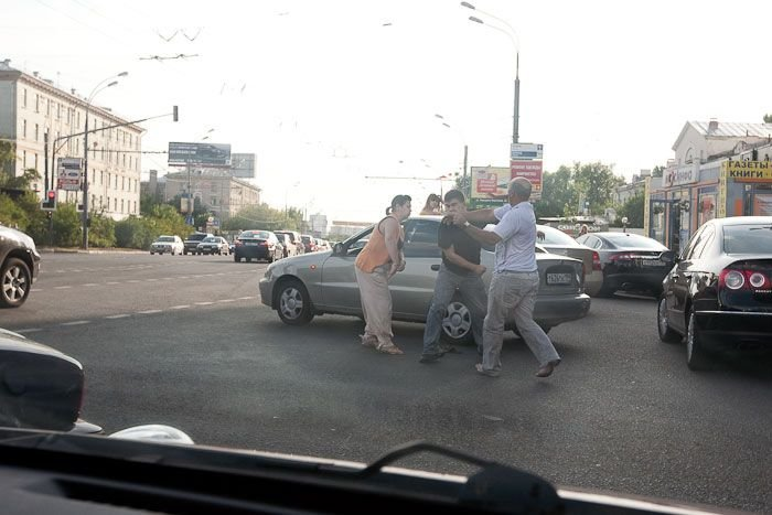 Водители подрались (12 фото)