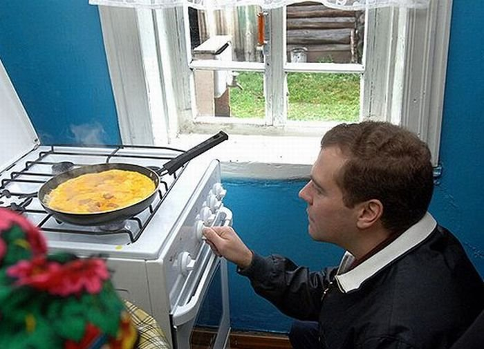 Смешной Медведев (20 фото)