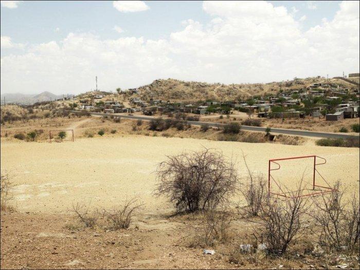 Футбольные стадионы в Африке (10 фото)