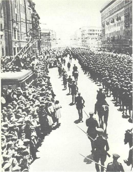 150 тысяч немцев в Москве (17 фото + текст)