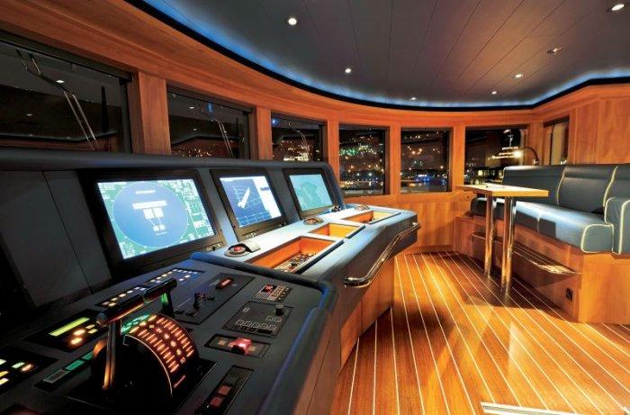 Две индивидуальные яхты (28 фото)