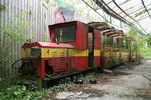 Заброшенный парк аттракционов в Бельгии (12 фото)