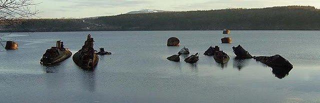 Кладбище подводных лодок (11 фото)