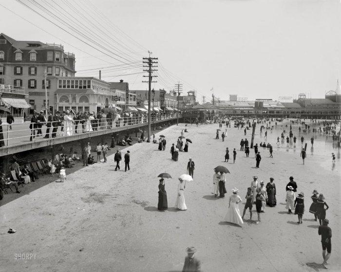 Отдых на пляже 100 лет назад (58 фото)