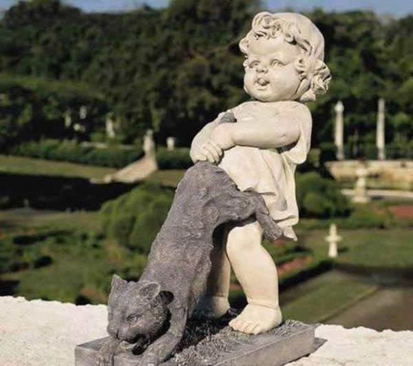 Извращения с памятниками (31 фото)