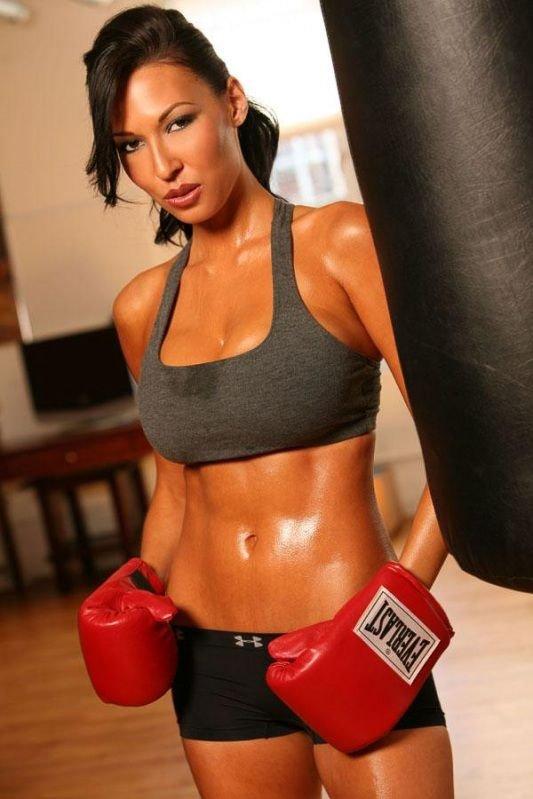 Девушки-боксерши (82 фото)
