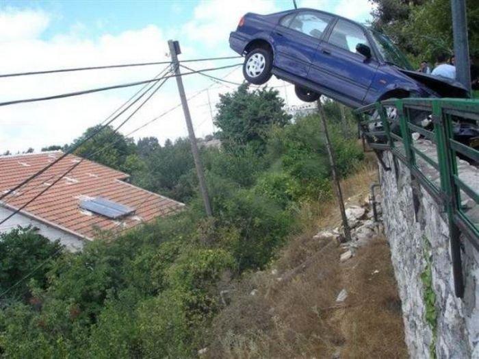 Необычные аварии (22 фото)