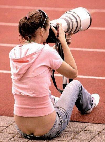 Девушки с оголенными попками (47 фото)