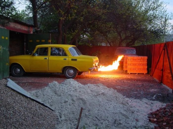 Крутой тюнинг Москвича (28 фото)