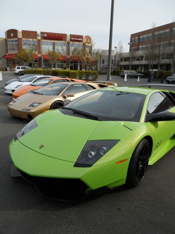 Подборка дорогих автомобилей (99 фото)