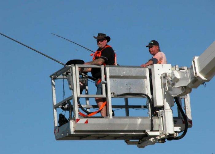 Рыбалка по-американски (2 фото)