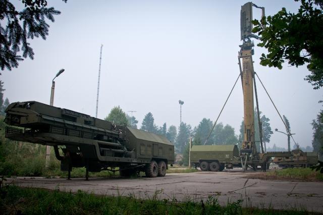 Заброшенный военный склад в Подмосковье (13 фото)