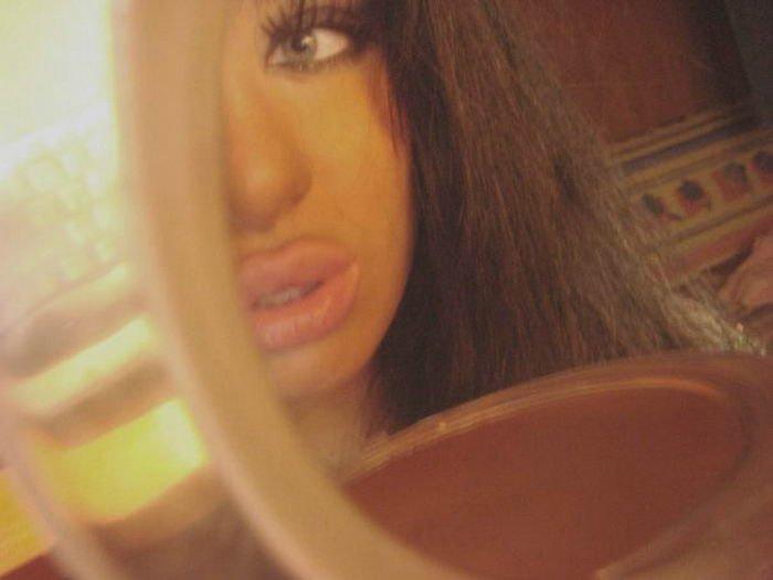Девушки с силиконовыми губами