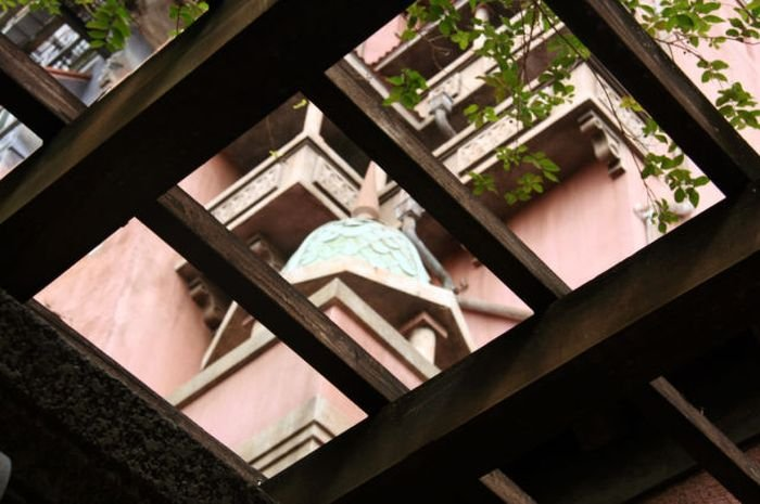 Заброшенная гостиница в Калифорнии (34 фото)